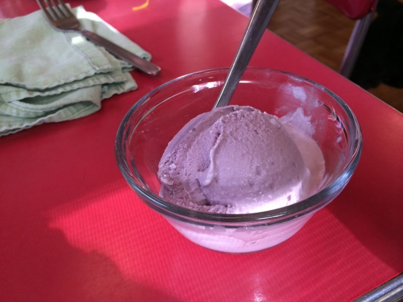 Mulberry ice cream